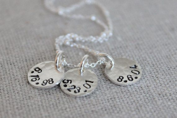 kids birthdates necklace for mom