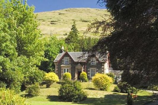 Mansefield House, Arrochar, Loch Long, Argyll, Bute & The Islands - Travel - Accommodation - Sleeps 1-12