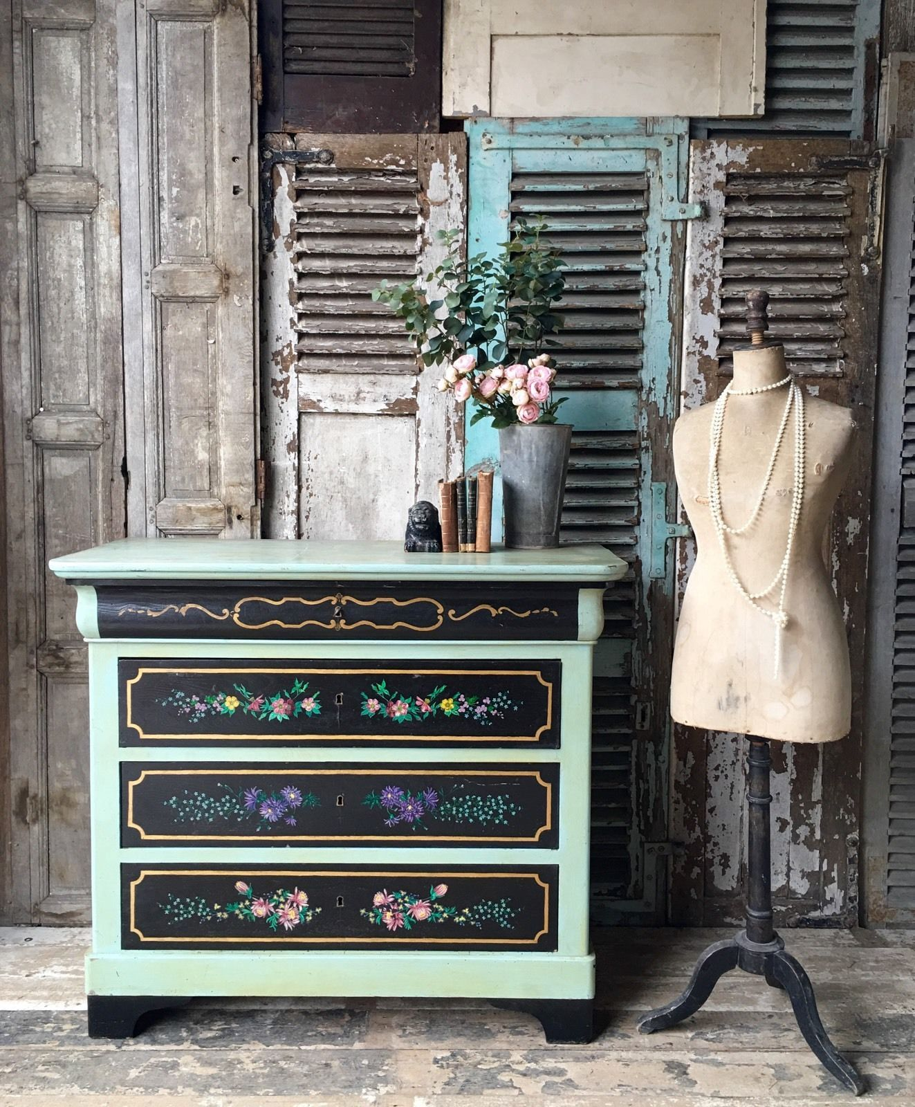 Stylish french vintage furniture to add practical charm to a bedroom
