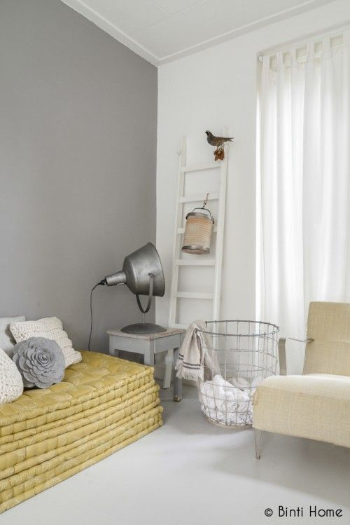 Grey and white bureau Pinterest Salons, Bedrooms and Interiors