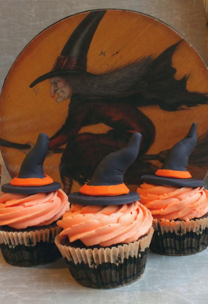 Chai Latte Cupcakes Fondant, Halloween foods and Cup cakes - decorating ideas for halloween cupcakes