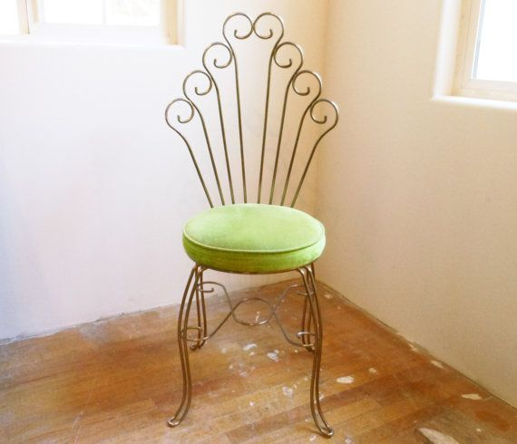 In The Pretty Corner Vintage Chairs Metal Chairs Vanity Chair