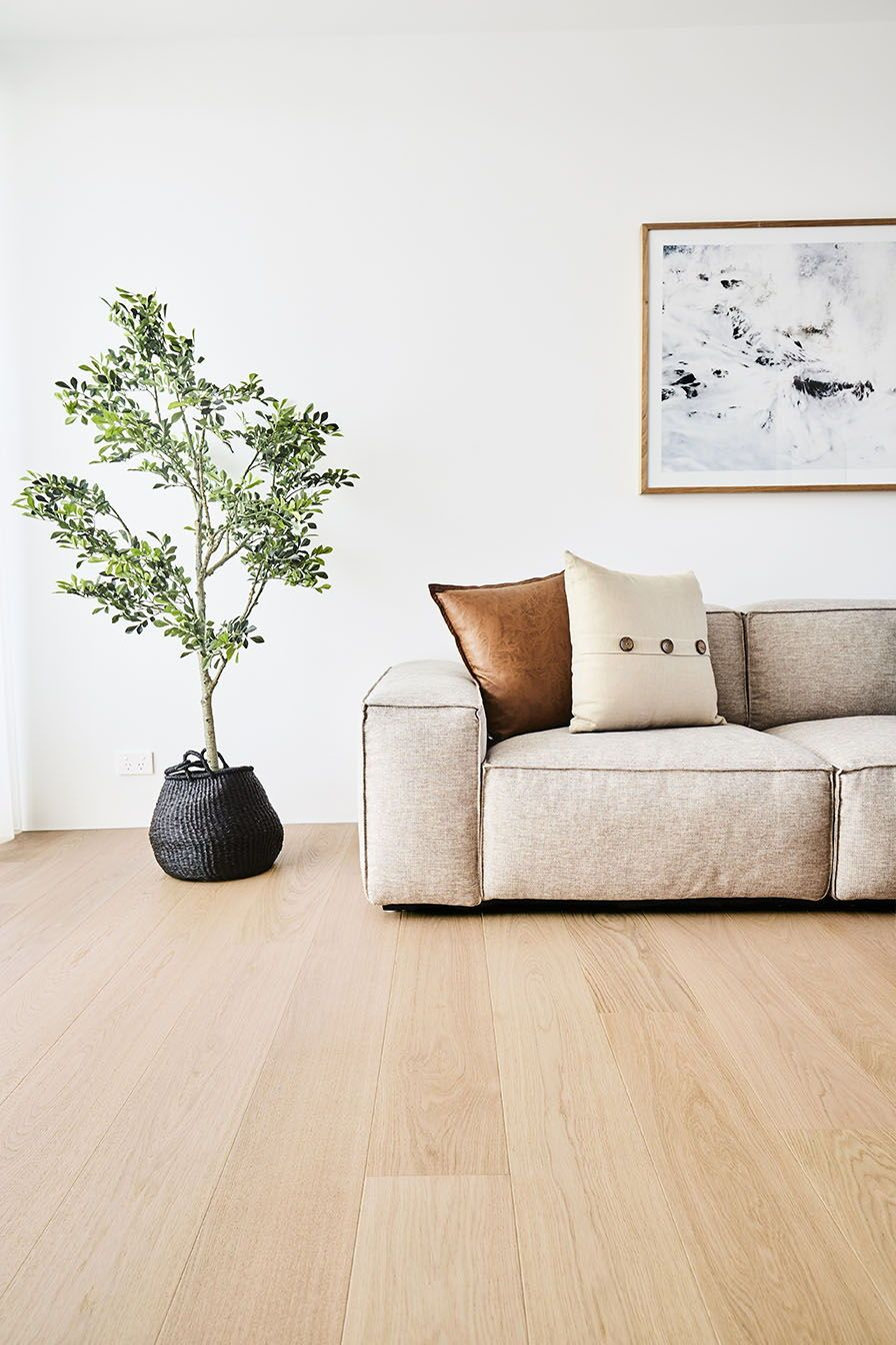 How To Choose The Ideal Living Room Floor Living Room Wood Floor Oak Floor Living Room Living Room Wood