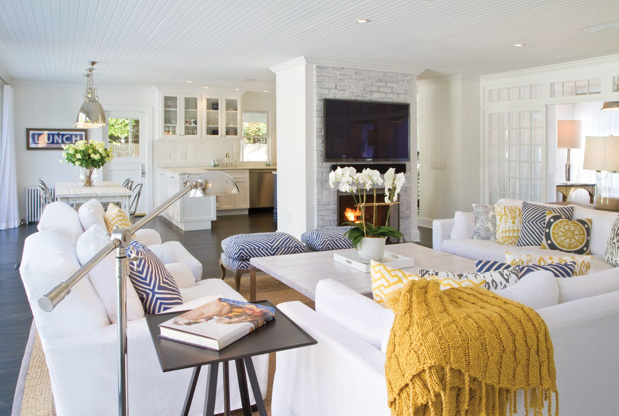 East Hampton Beach House with a rug from Sacco Carpet | Sacco Homes ...