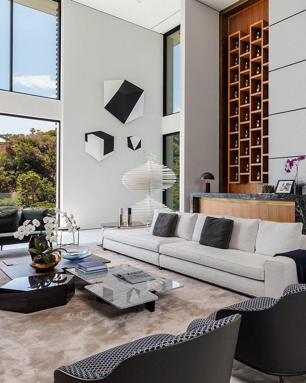 Luxury Prorsum luxuryprorsum 1677 North Doheny