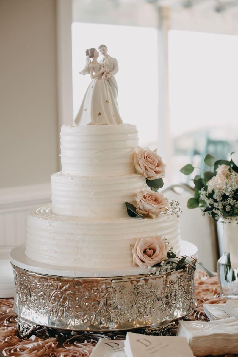wedding cake from Hanover Seaside Club wedding in Wrightsville Beach ...
