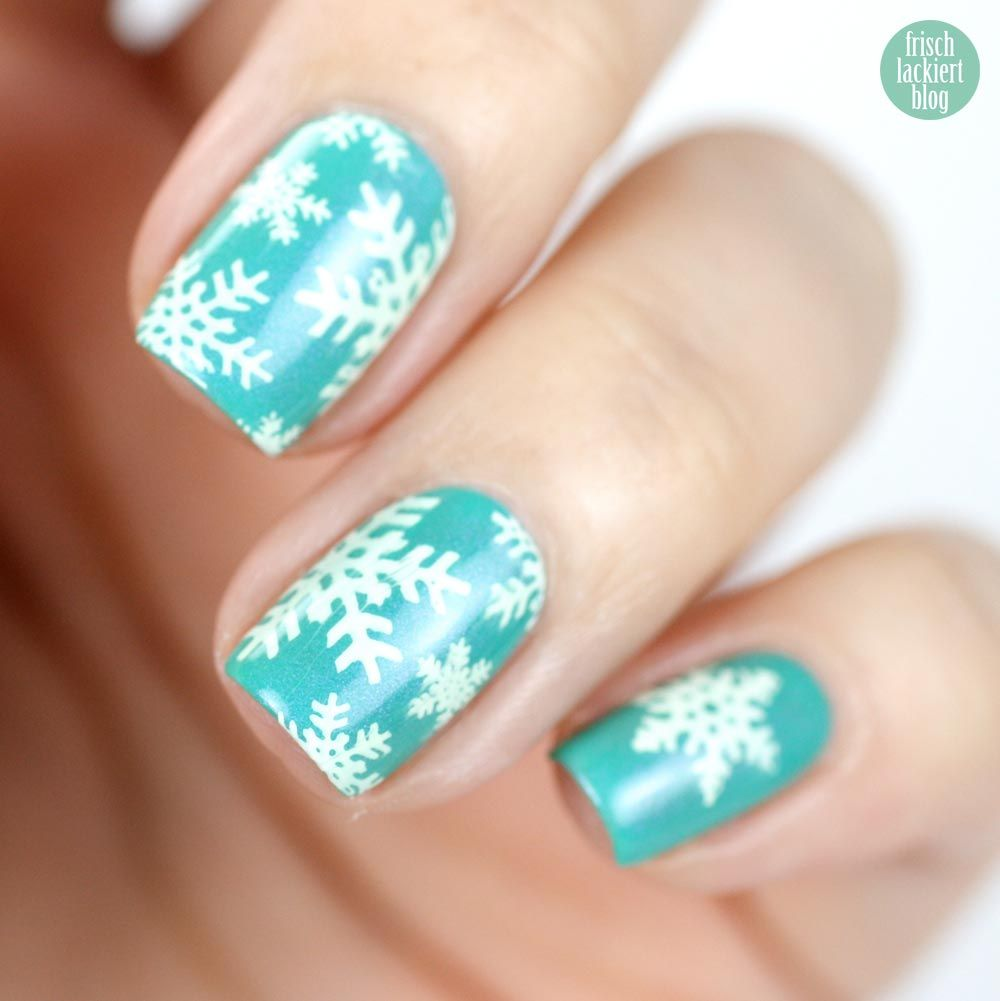snowflakes stamping - by frischlackiert | Unghie | Pinterest ...