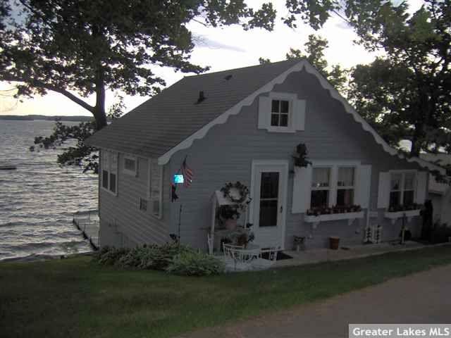 for sale small 1 bedroom cabin in Baudette MN Google
