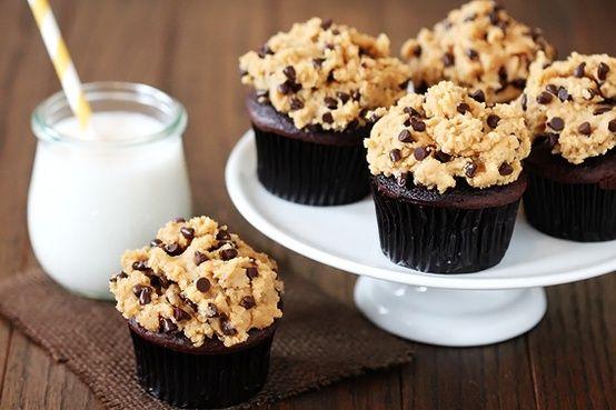Chocolate   Peanut Butter   Cookie Dough :: Cupcake Monday