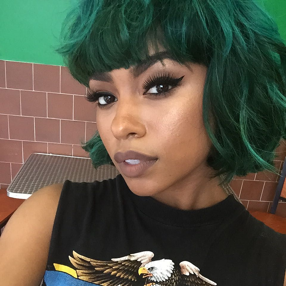 This D Look Good On Me Maybe I Ll Go Green At Some Point Short Green Hair Two Color Hair Black Hair Dye