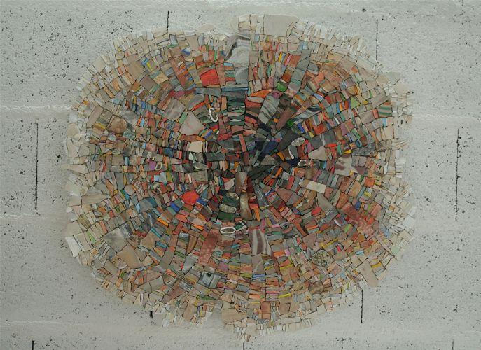 Marie-Laure BESSON - Maison de la Mosaïque Contemporaine. Abstract mosaic. I want to know how the edges are done..it looks amazing!