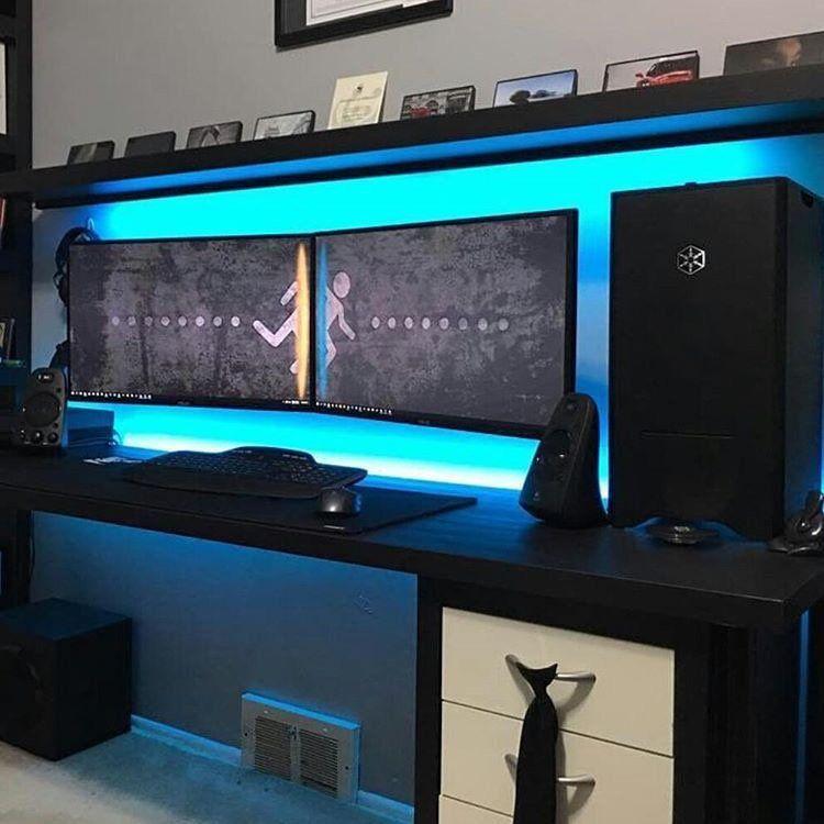 35 Setup De Gaming Epic Pour Les Gamer Sur Pc Geekqc Ca Bureau De Jeu Bureau Gaming Bureau D Ordinateur Diy