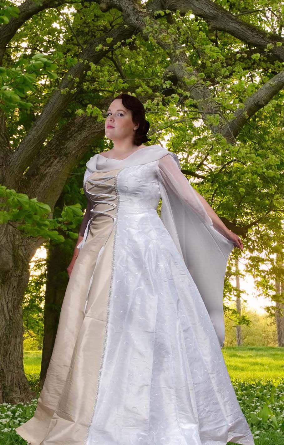 Hochzeitskleid in XXL  Hochzeitskleid xxl, Hochzeitskleid, Brautmode