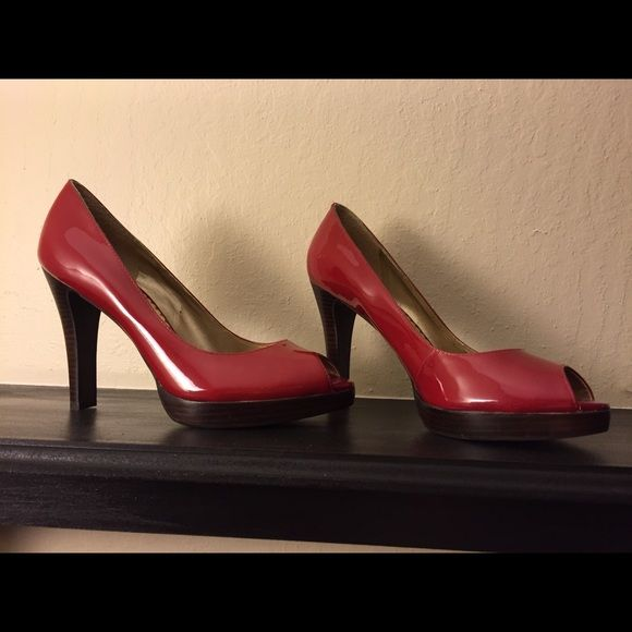 Jessica Simpson red heels Hot red heels like new Jessica Simpson Shoes Heels