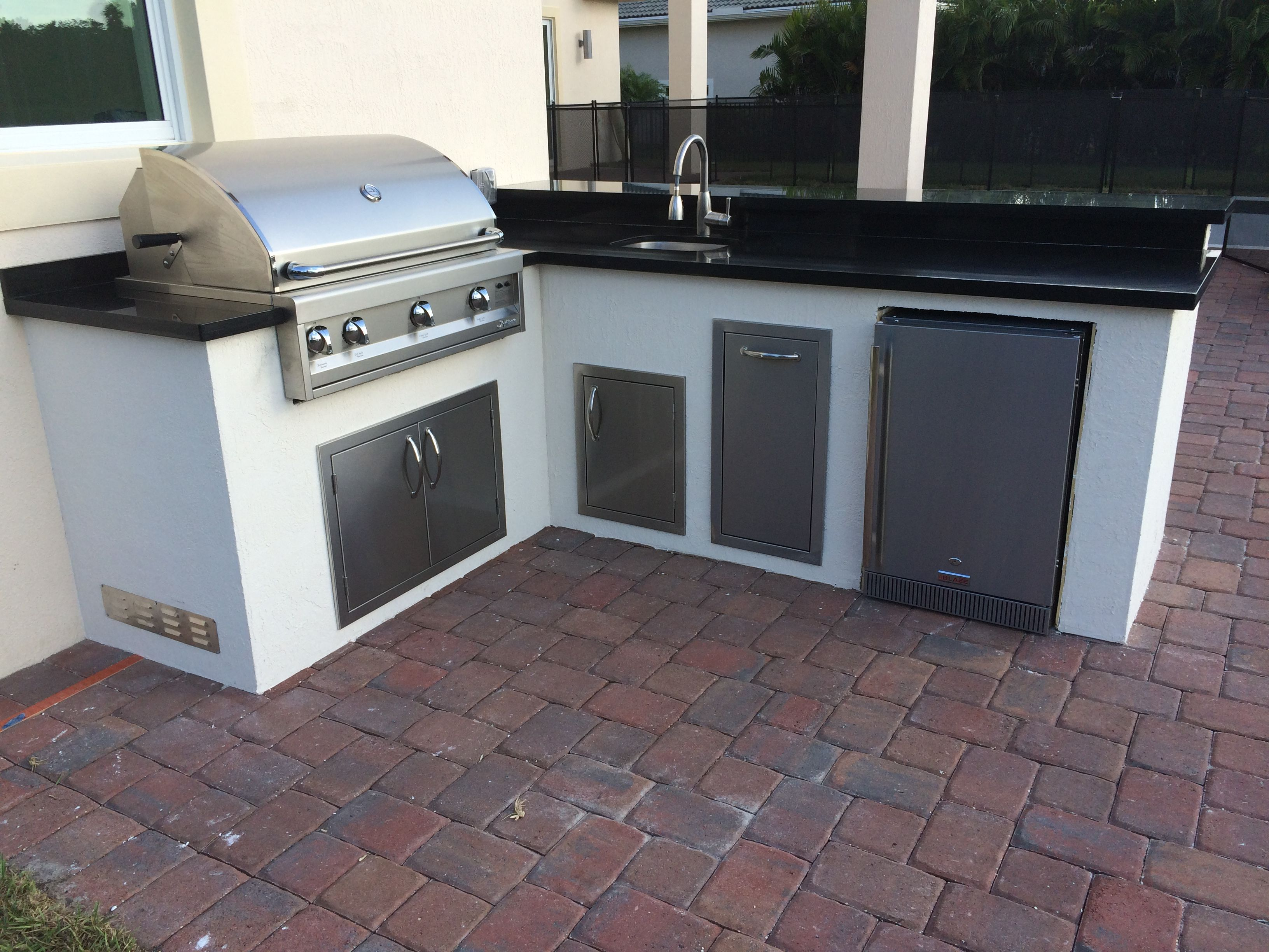 L Shaped Outdoor Kitchen for Toll Brothers with a Artisan ...