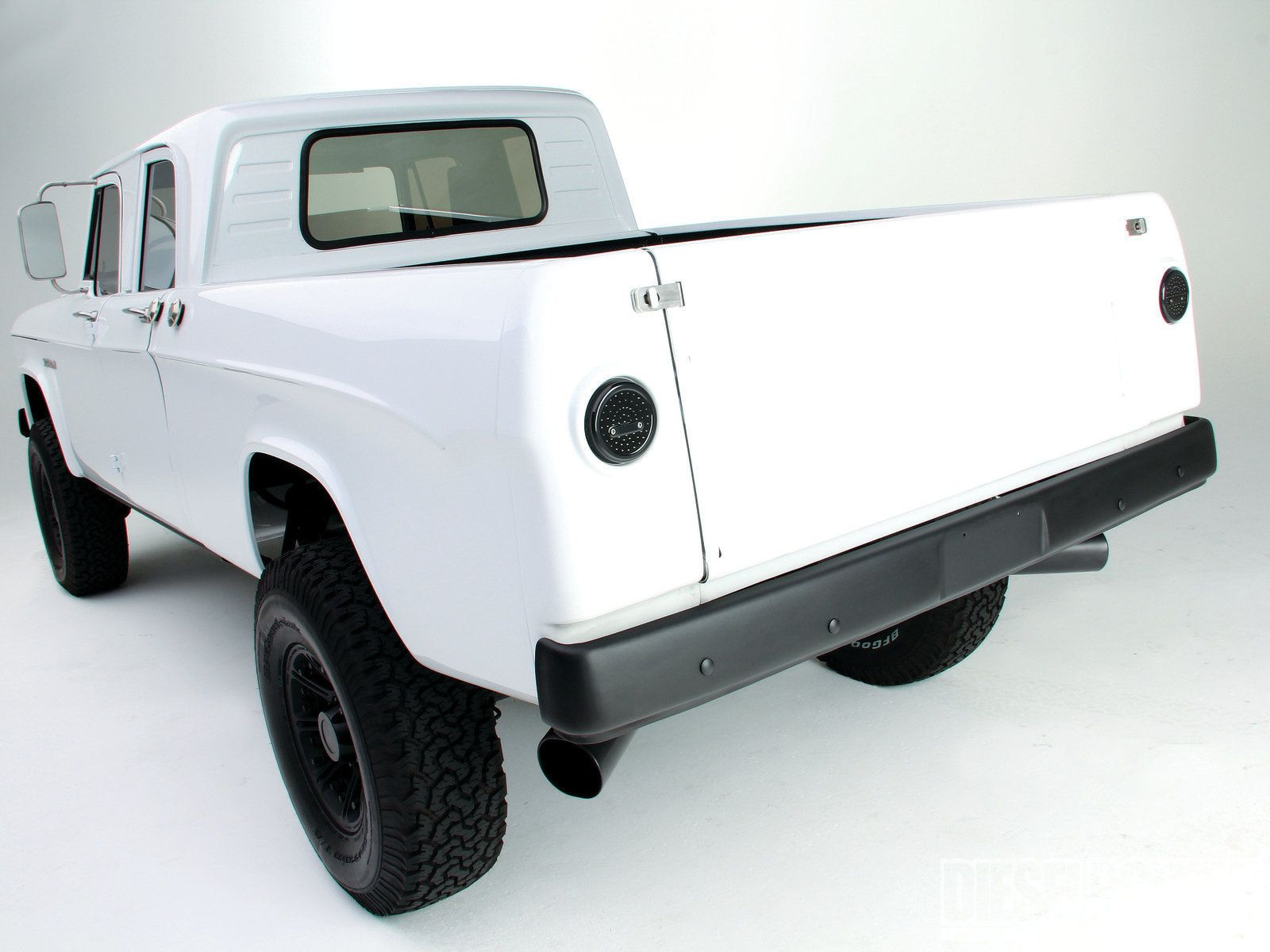 sema 2014 trucks Google Search Cool trucks, Built