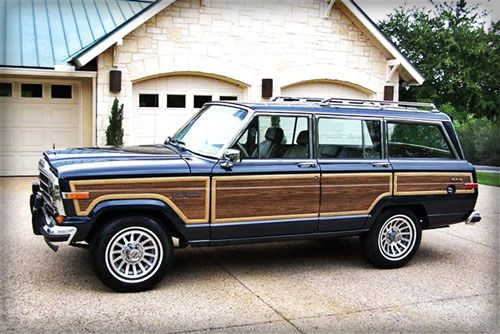 1989 Jeep Grand Wagoneer, navy blue, my dream car (with ipod adapter please)