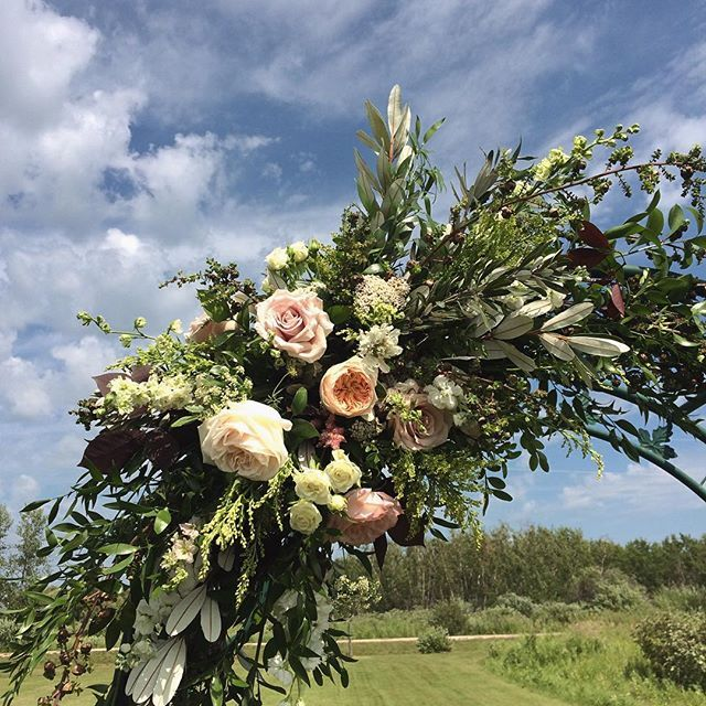 Pin On Wedding Ceremony And Reception Florals