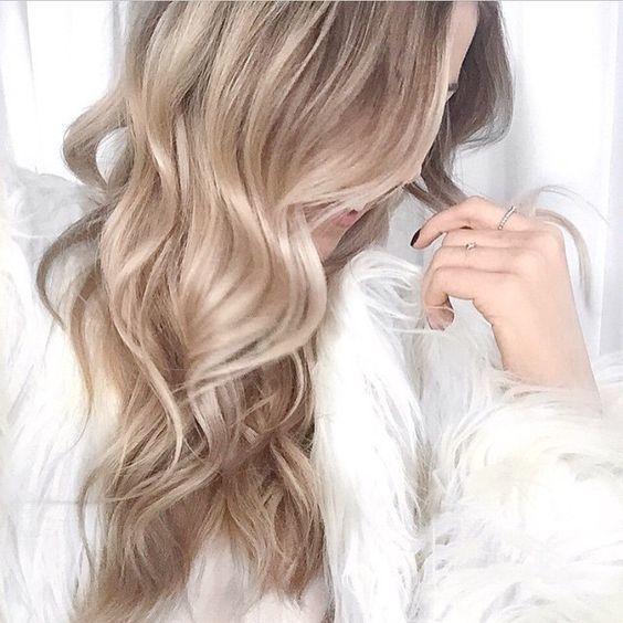 Le Blond Beige Pour Cet été Cheveux Blonds Beige Blond Beige Coiffure