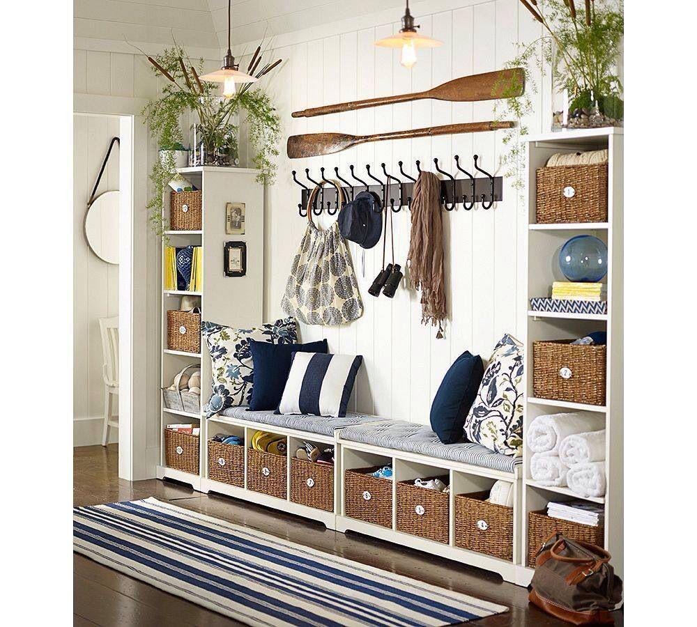 Hallway storage furniture  banc pour mettre les chaussures et beaucoup de rangement  Entrée