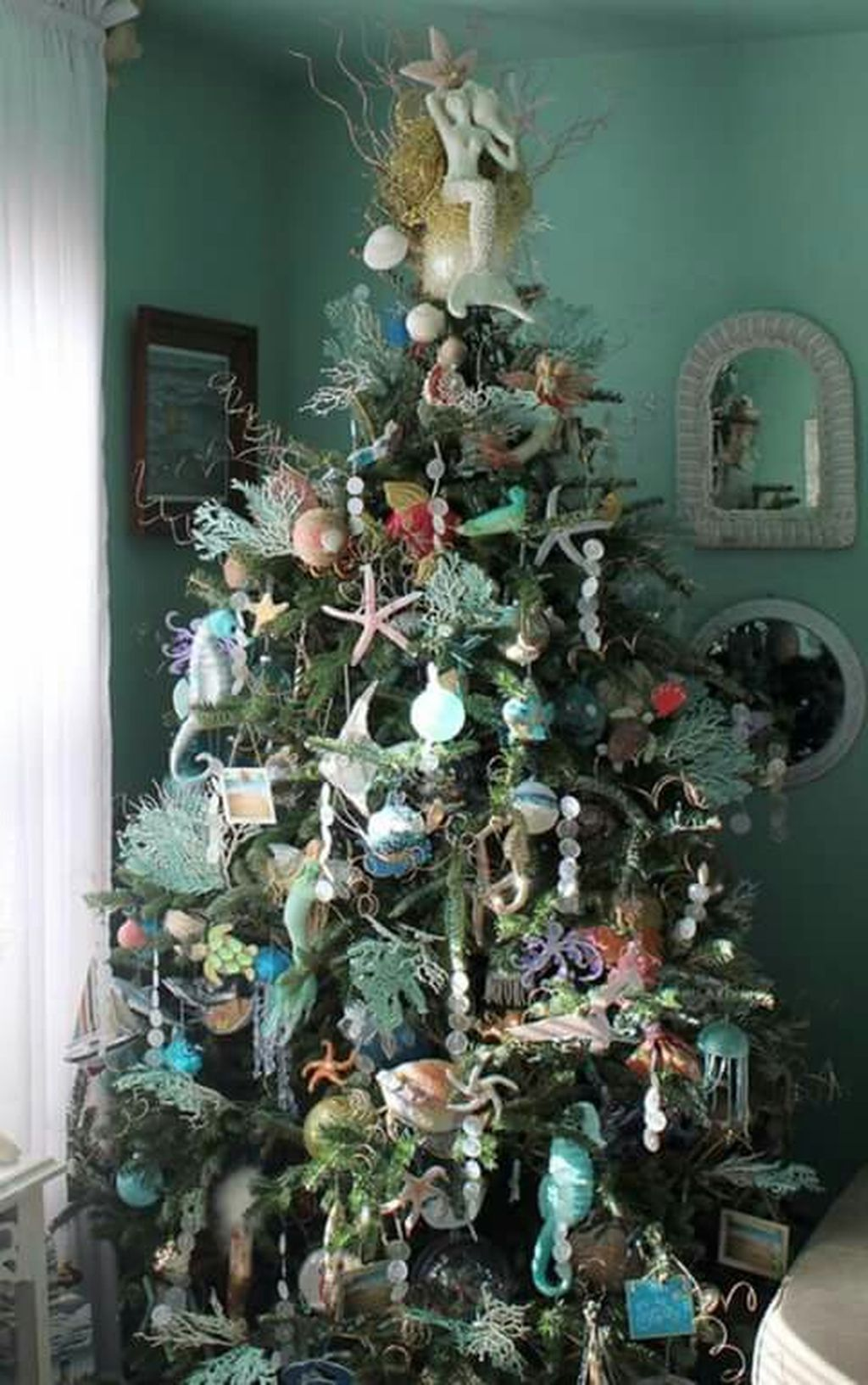 cozy beach themed christmas decoration ideas starfish tree