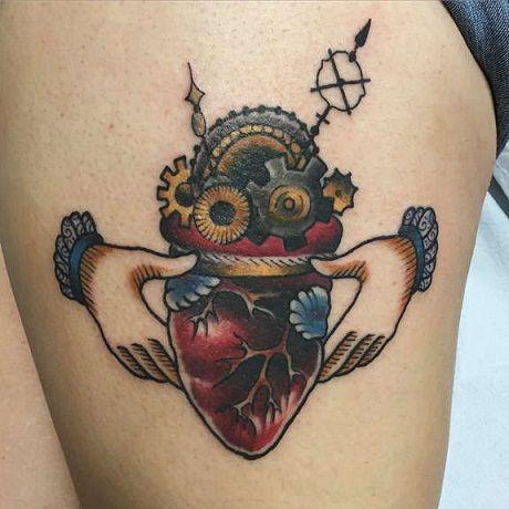 97d3471bd Top 9 Prettiest Claddagh Tattoo Designs   Cool Tattoos   Claddagh ...