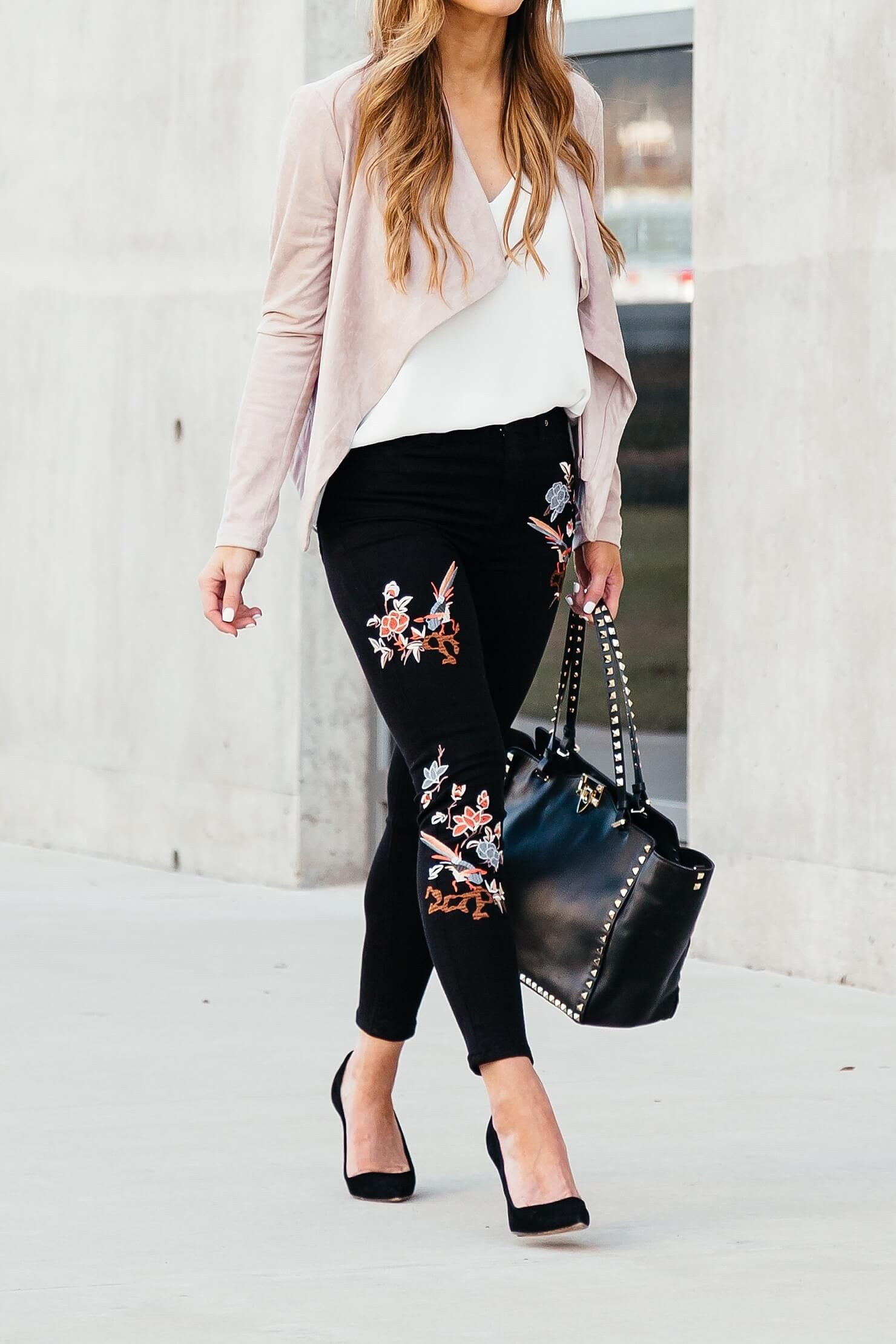 embroidered jeans outfit    floral pant outfit    pink jacket outfit ideas dbbd0d951af3