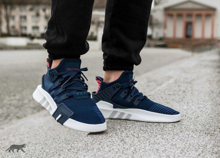new product c6de8 b5522 Release des adidas EQT Bask ADV Navy ist am 01.02.2018. Bleibe mit  99kicks.com immer auf dem Laufenden was heiße Sneaker Releases angeht