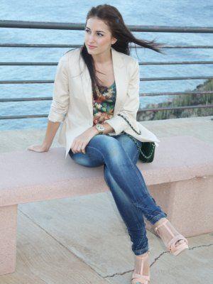 81122778 Combinar Jeans Azul oscuro/Noche Bershka, Blazer Beige Zara, Camisa-Blusa  Verde Springfield, Tacones-Plataformas Beige Zara, Cómo vestirse y combinar  según ...