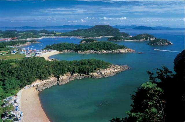 Munyeo-islands near Gunsan, Korea  군산 무녀도