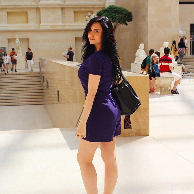 Bom dia! Foto antiga, mas saudades de Paris e de estar sem preocupações  #fbf #Louvre