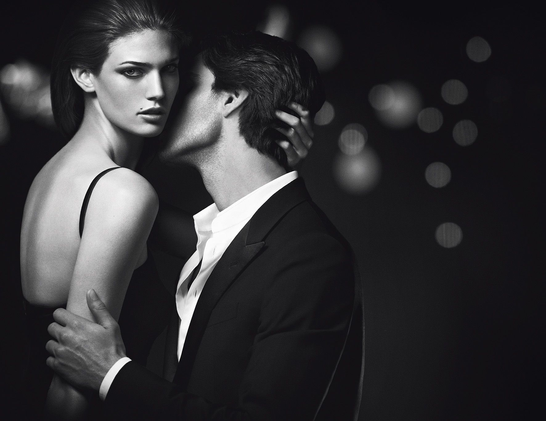 The art of seduction is no secret to the Armani Code Woman ... ff4a7424a453