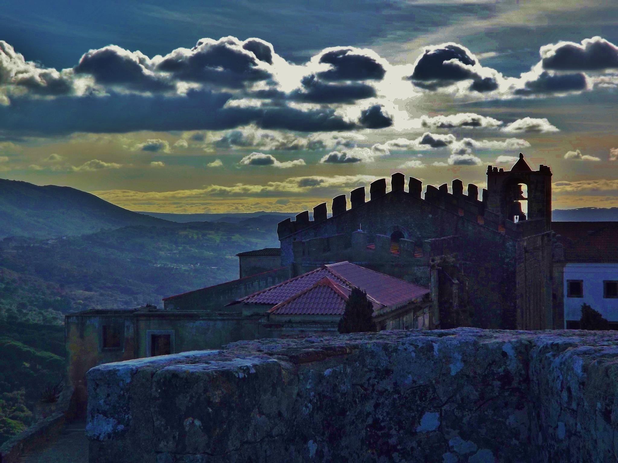 Palmela, Portugal (photo by Rui Silva)