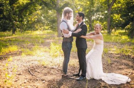 31 Funny Wedding Photo Ideas Worth Stealing - Amaze Paperie