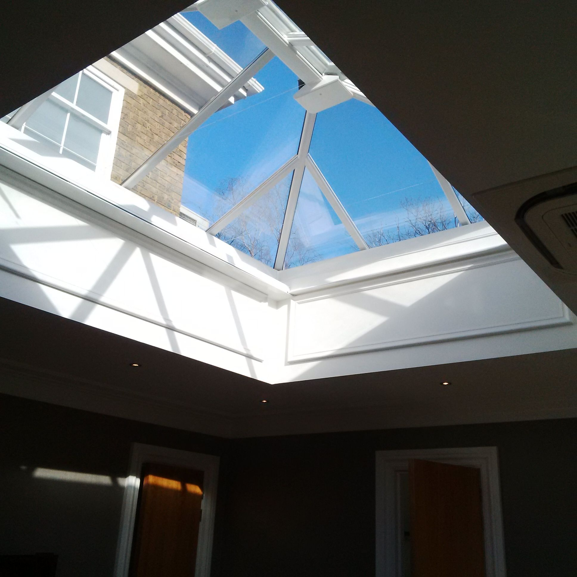 Shy Zip Electric Blind For Roof Lanterns Skylights Roof