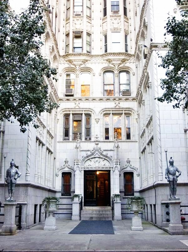 Historic New York City Apartment Building Gramercy Park Nyc The Boundaries For And Flatiron Are 14th St To 34th East River Broadway