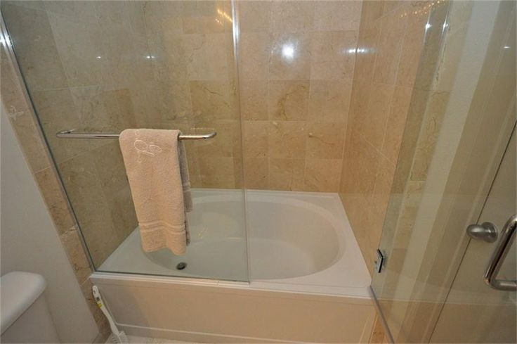 Japanese Soaking Tub with Shower | prefer small bathtub with shower ...