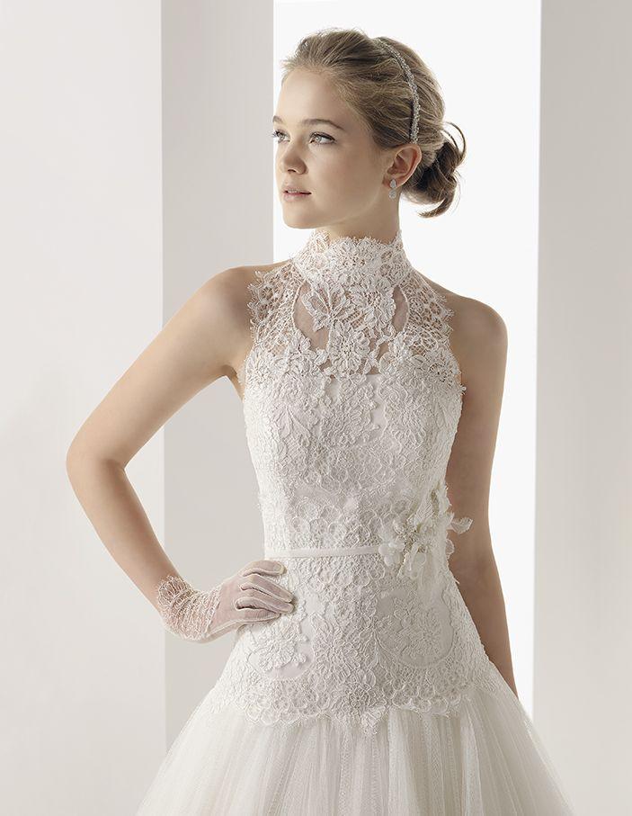 Rosa Clara Bridal Wedding Dress With Lace Choker Collar