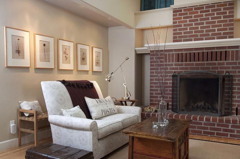 the best tan paint colour to go with red toned brick fireplace sherwin williams agreeable gray, benjamin moore grant beige and bennington gray #BrownLivingRoomSet #sherwinwilliamsagreeablegray