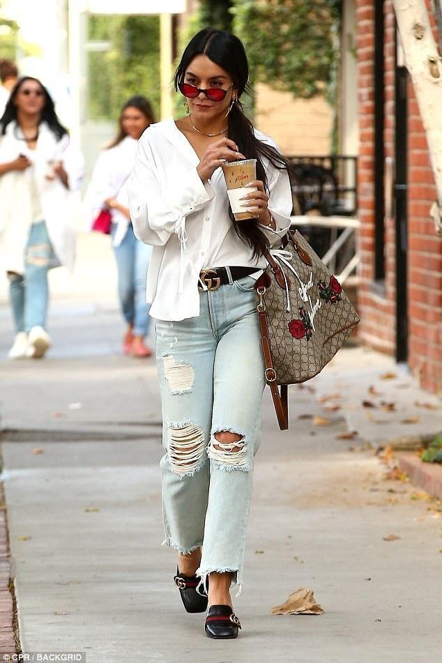 950f99ee76cf Vanessa Hudgens - celebs - Gucci Blind for love bag - Gucci belt - outfit -  street style - l'Etoile luxury vintage