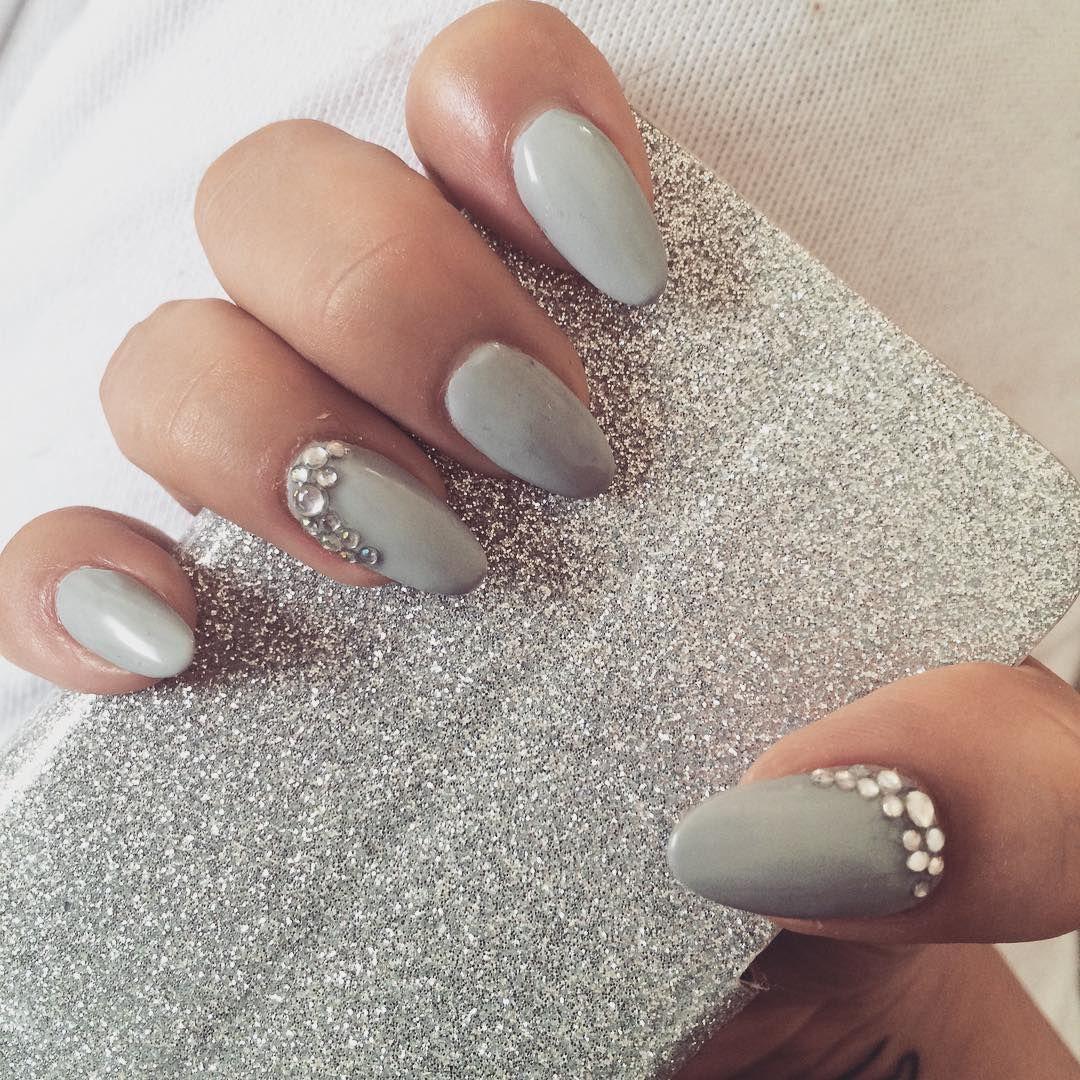 Pin von Meggie Strong auf Nails | Pinterest | Nagelschere