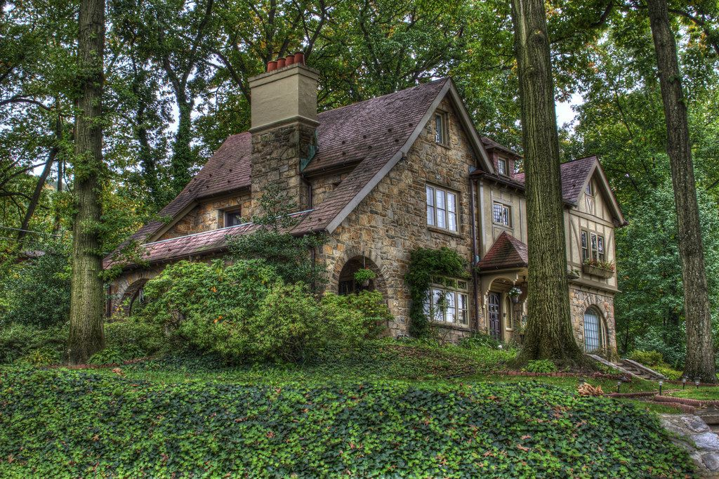 I dream of having a quaint little cottage away from the city where I can enjoy the quiet of nature... #witchcottage