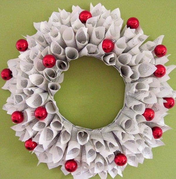 DIY Elegant Wreaths Made From Recycled Paper