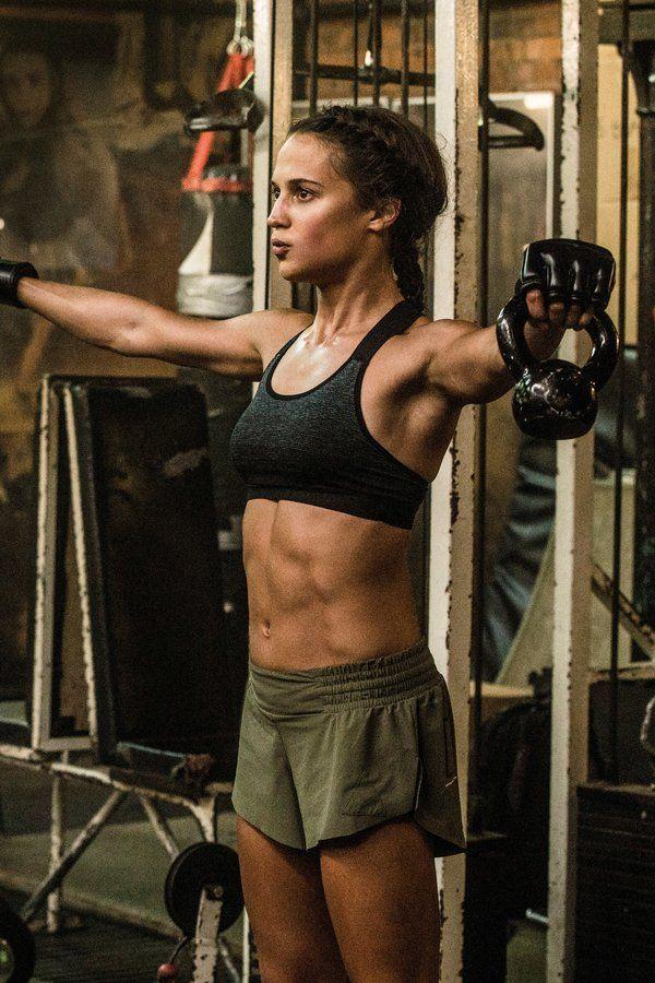Photo of Mit diesen Übungen werden Sie fit wie Alicia Vikander in Tomb Raider