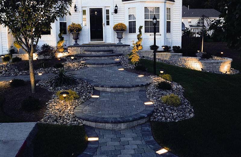 15 Stylish Landscape Lighting Ideas Landscape Lighting Design Walkway Lighting Outdoor Walkway