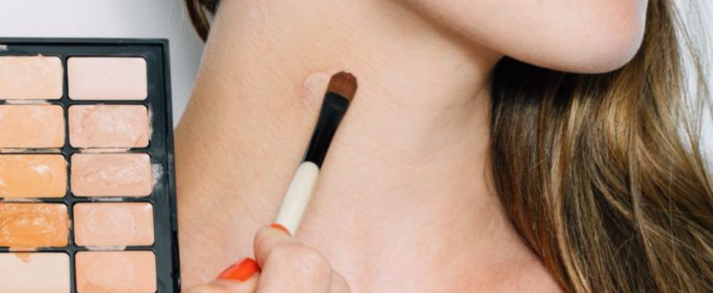Skip the Scarf! Hide Your Hickey With Makeup in 4 Steps
