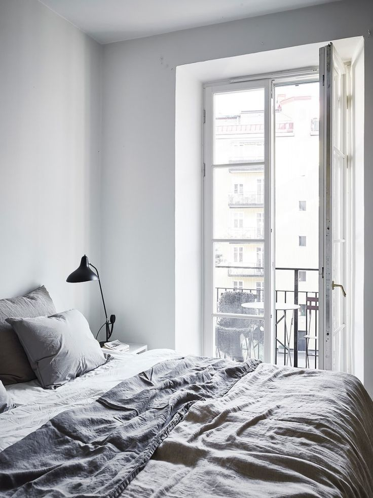 Gentil A Parisian Style Bedroom With Grey Linen Bedding. I Wish I Lived Here: A  Neutral, Earthy Home Tour