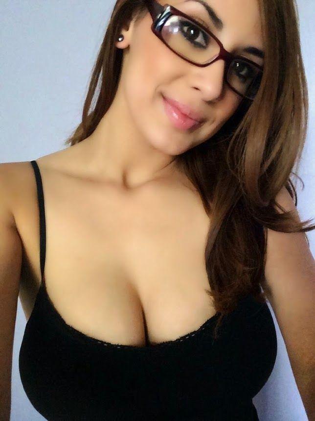 Sexy Damen in Gläsern
