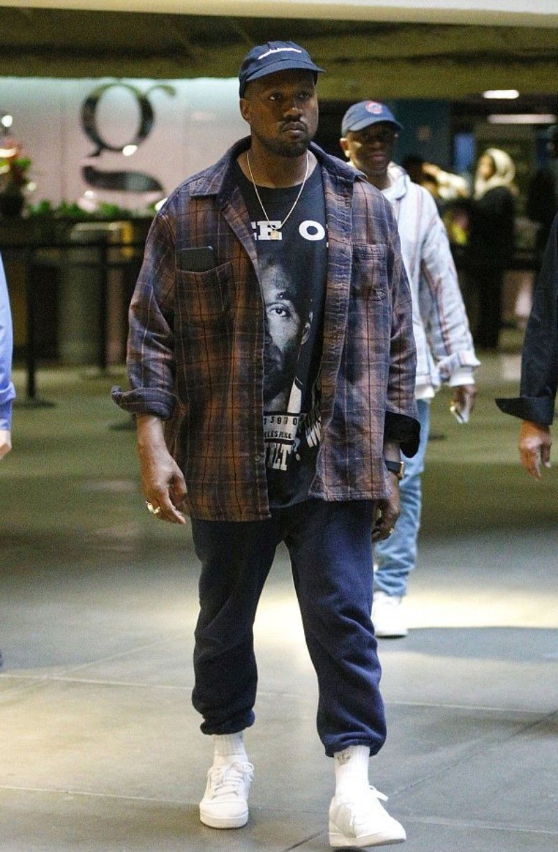 Kanye West Los Angeles 2016 12 24 Kanye West Outfits Kanye West Style Streetwear Men Outfits