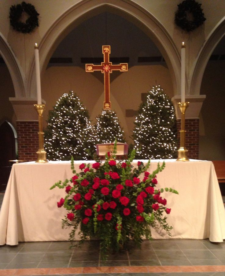 Church Altar Decoration For Wedding: 2013 Christmas Altar Flowers--roses, Bells Of Ireland And